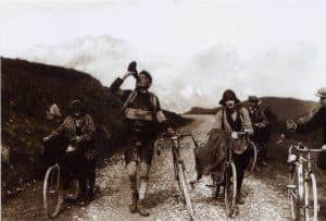 Oude Wielrenfoto's Ansichtkaarten Set pyrenees 1924